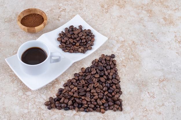 Diverse vormen van koffie gerangschikt