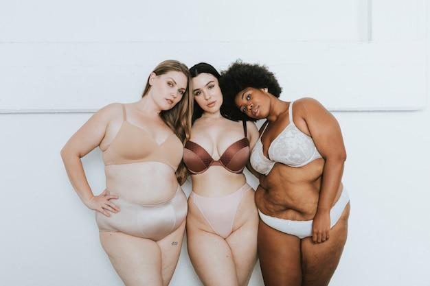 Diverse vrouwen omarmen hun natuurlijke lichaam