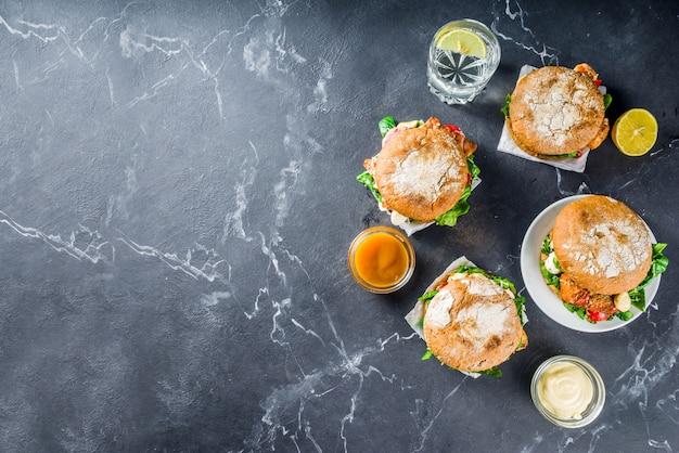 Diverse zeevruchten en visburgers assortiment