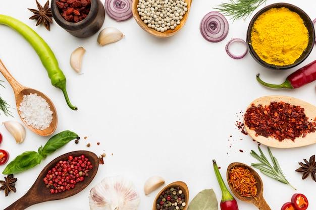 Diversiteit van specerijen frame met kopie-ruimte