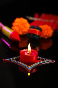 Diwali diya met vuurkrakers