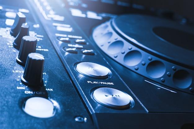 Dj mixer console bureau