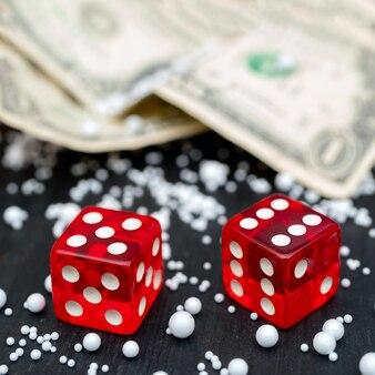 Dobbelsteenspel. dollar biljetten.