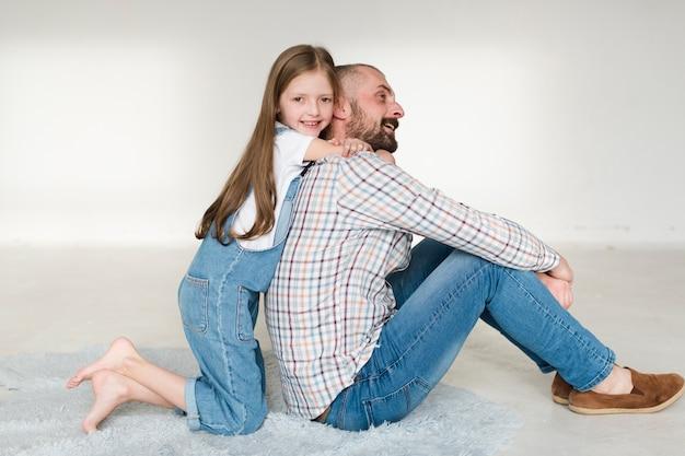 Dochter en vader op vaders dag