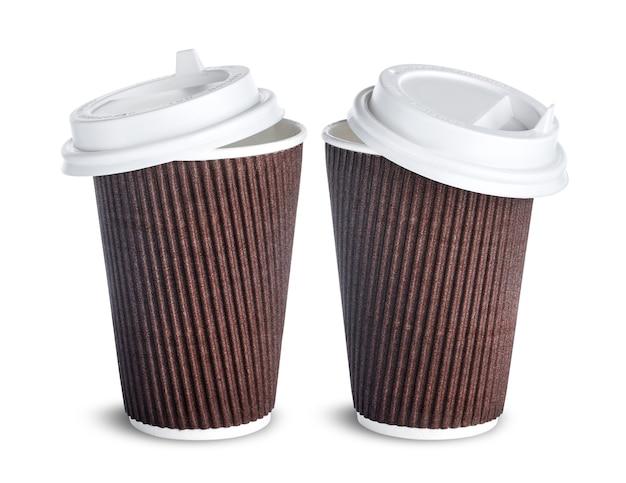 Document koffiekop met open die deksel op wit wordt geïsoleerd