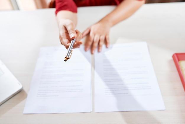 Documenten en contracten ondertekenen
