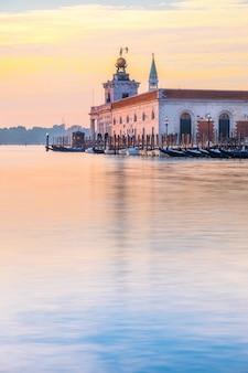 Dogana da mar, venetië, italië, vroege ochtend