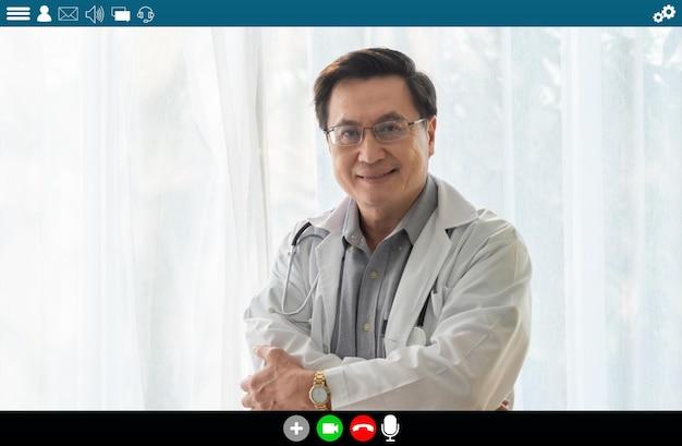 Dokter die op videogesprek spreekt voor telegeneeskunde en telegezondheidsdienst