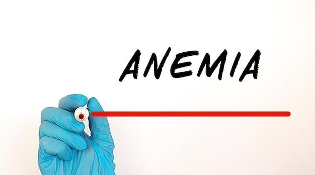 Dokter schrijven tekst anemia met rode marker