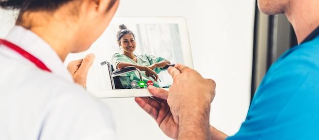 Dokter telegeneeskunde service online video voor virtuele patiënt gezondheid medische chat