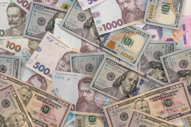 Dollar en hryvnia contant geld wisselen. investeringen financieren. geld concept
