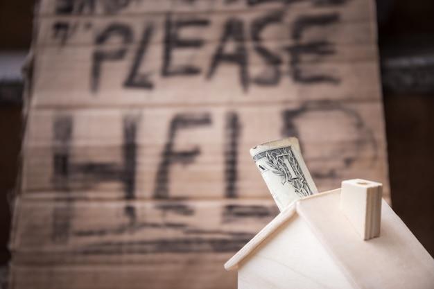 Dollar of geld donatie voor armen of daklozen probleem con