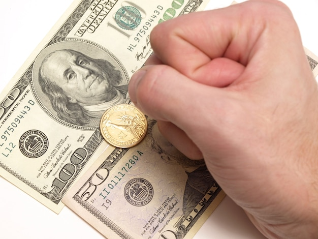 Dollarbankbiljetten en munten