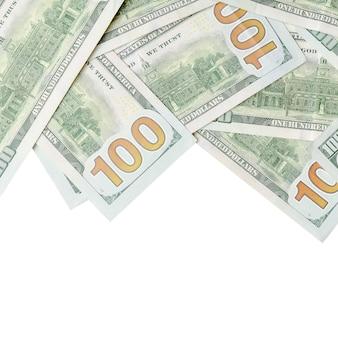 Dollarrekeningen op witte achtergrond