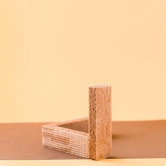 Dominowafeltjes met zalmachtergrond