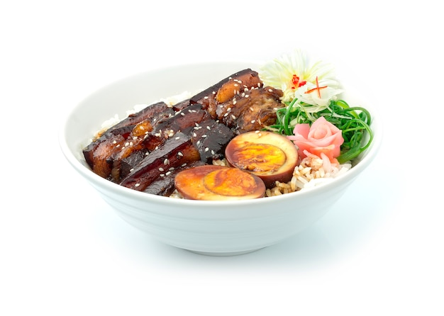 Dong po pork in zoet sojasaus recept op rijst
