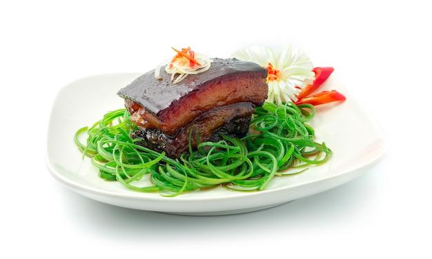 Dong po varkensvlees in zoete sojasaus