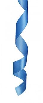 Donkerblauw satijnlint dat op witte achtergrond wordt geïsoleerd