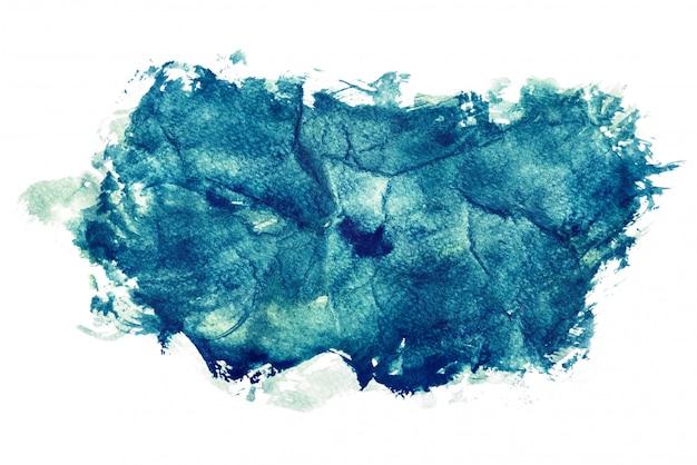 Donkerblauwe waterverf die op witte achtergronden, hand wordt geïsoleerd die op verfrommeld document schilderen