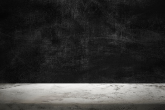 Donkere cementmuur met witte marmeren vloerproductachtergrond