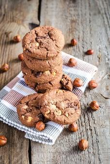 Donkere chocolade en hazelnootkoekjes