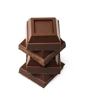Donkere chocoladestukjes geïsoleerd
