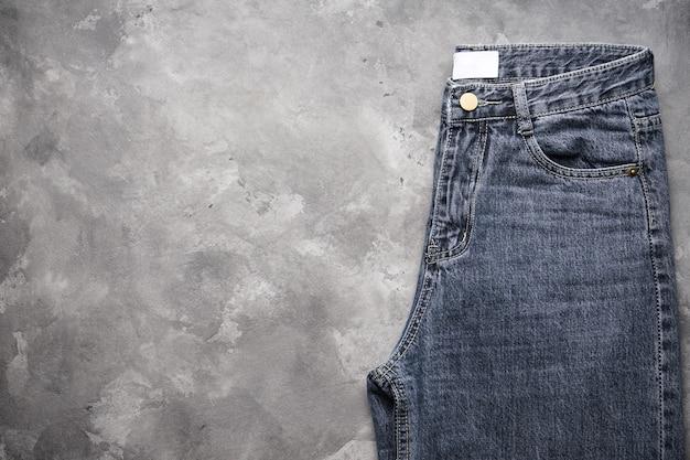 Donkere spijkerbroek, close-up. plaats voor tekst.