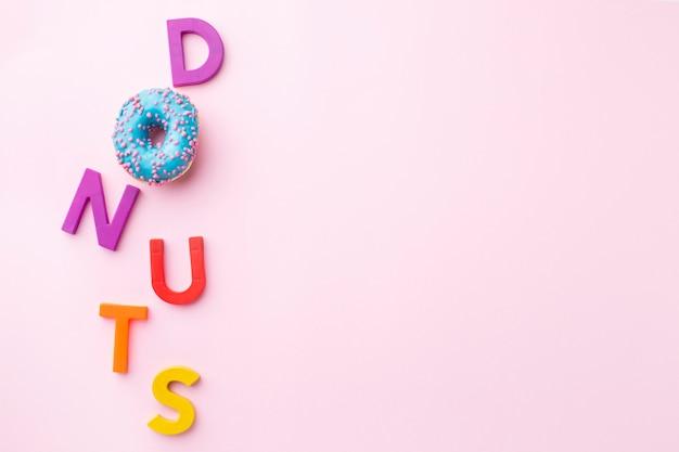 Donuts concept met kopie ruimte