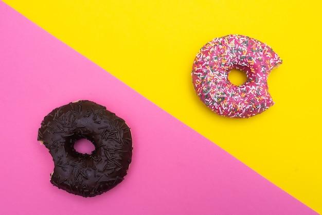 Donuts op kleurrijk