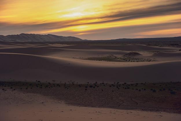 Door de opwarming van de aarde ontstaat een dor landschap op aarde