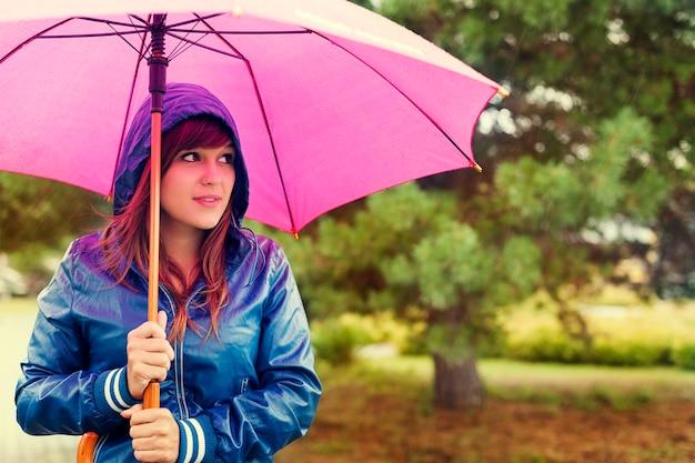 Door regen lopen