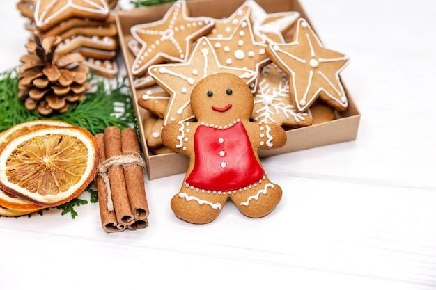 Doos met lekkere kerstkoekjes