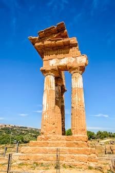 Dorische tempel van castor en pollux in agrigento, italië