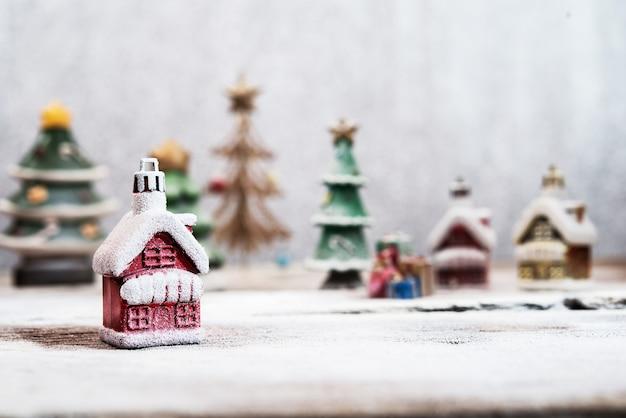 Dorp gemaakt met kerstmisdecoratie