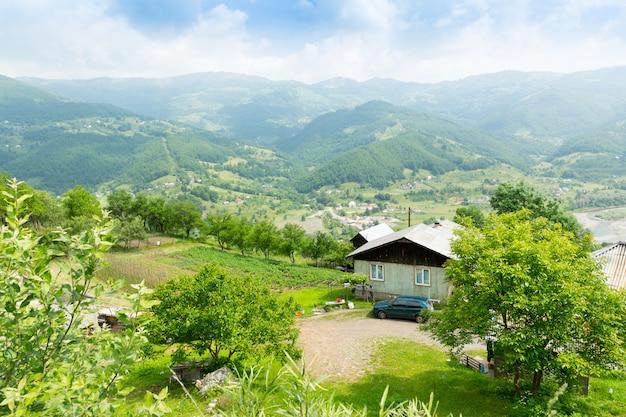 Dorp in de bergen