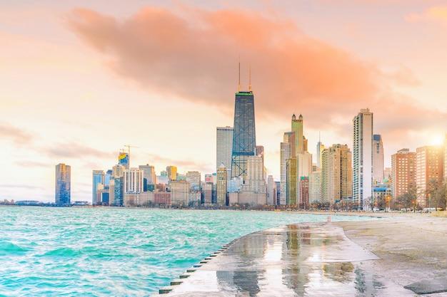 Downtown chicago skyline bij zonsondergang illinois, usa
