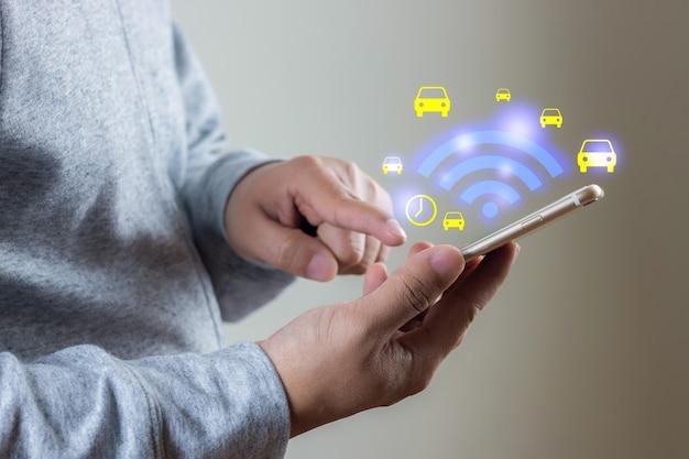 Draadloos internetconcept met gratis wifi-netwerksignaal