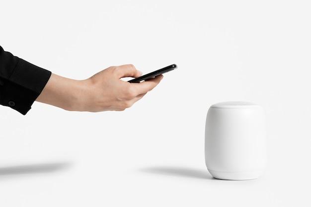 Draadloos wit smart speaker mockup digitaal apparaat