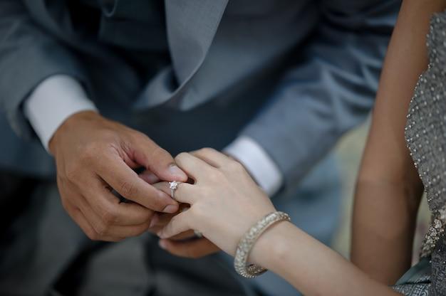 Draag een ring, trouwring, liefdeskoppel