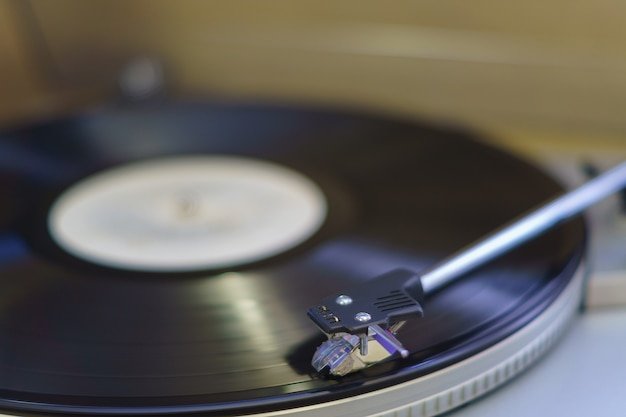Draaischijf vinyl records speler, close-up