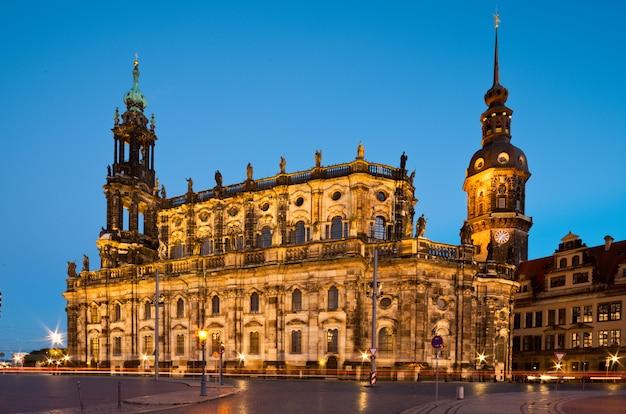 Dresden hofkirche in de avond