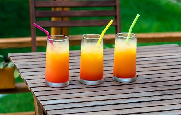 Drie cocktails van de tequilazonsopgang