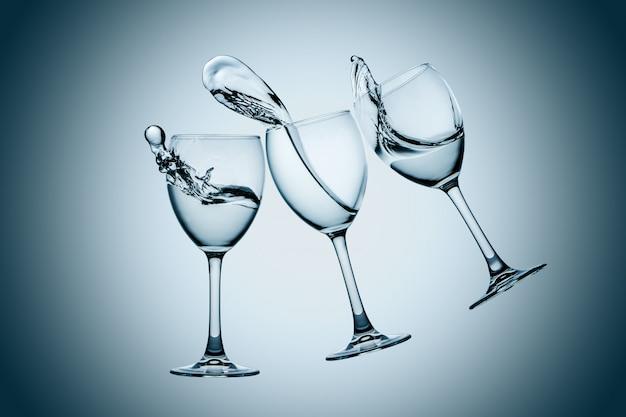 Drie glazen water splash