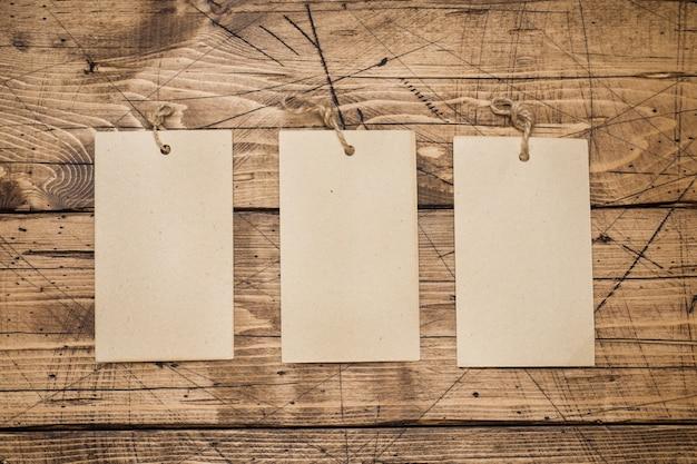 Drie lege bladen voor tekst