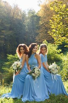 Drie prachtige bruidsmeisjes