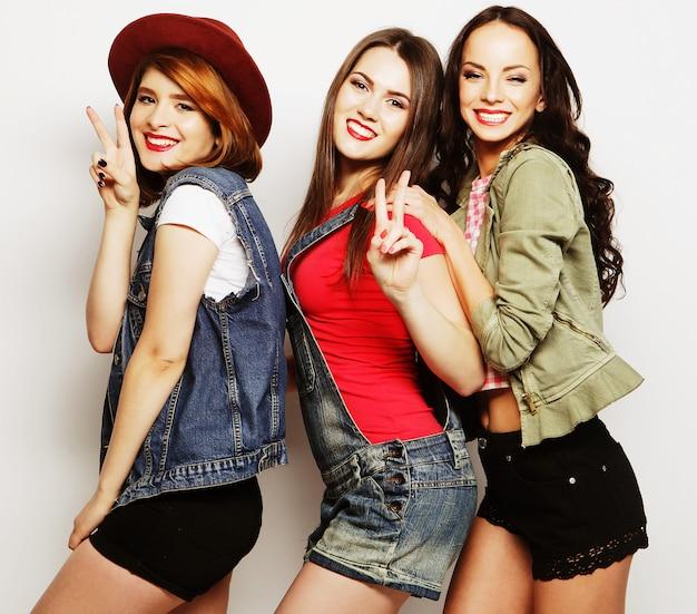 Drie stijlvolle hipster beste vrienden