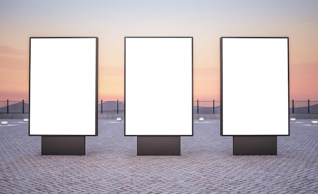 Drie verticale reclameborden voor buiten