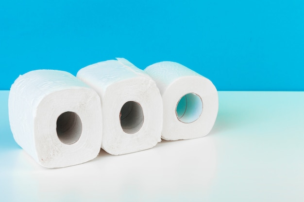 Drie wc-papierrollen