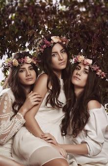 Drievoudig schoonheidsportret van vrouwen