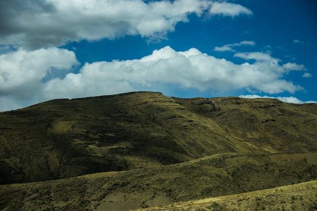 Droge landschappen van cordillera real, andes, bolivia